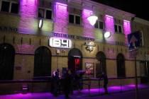 Club 1841 en Café Neighbours weer open