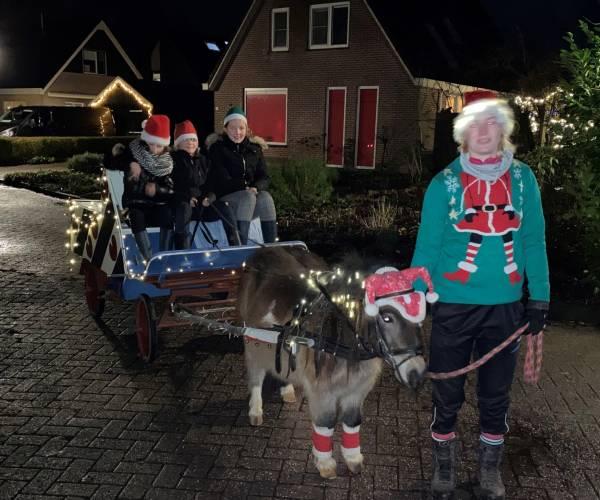 Kersttocht voor kinderen: met pony Piebe door Blauwhuis