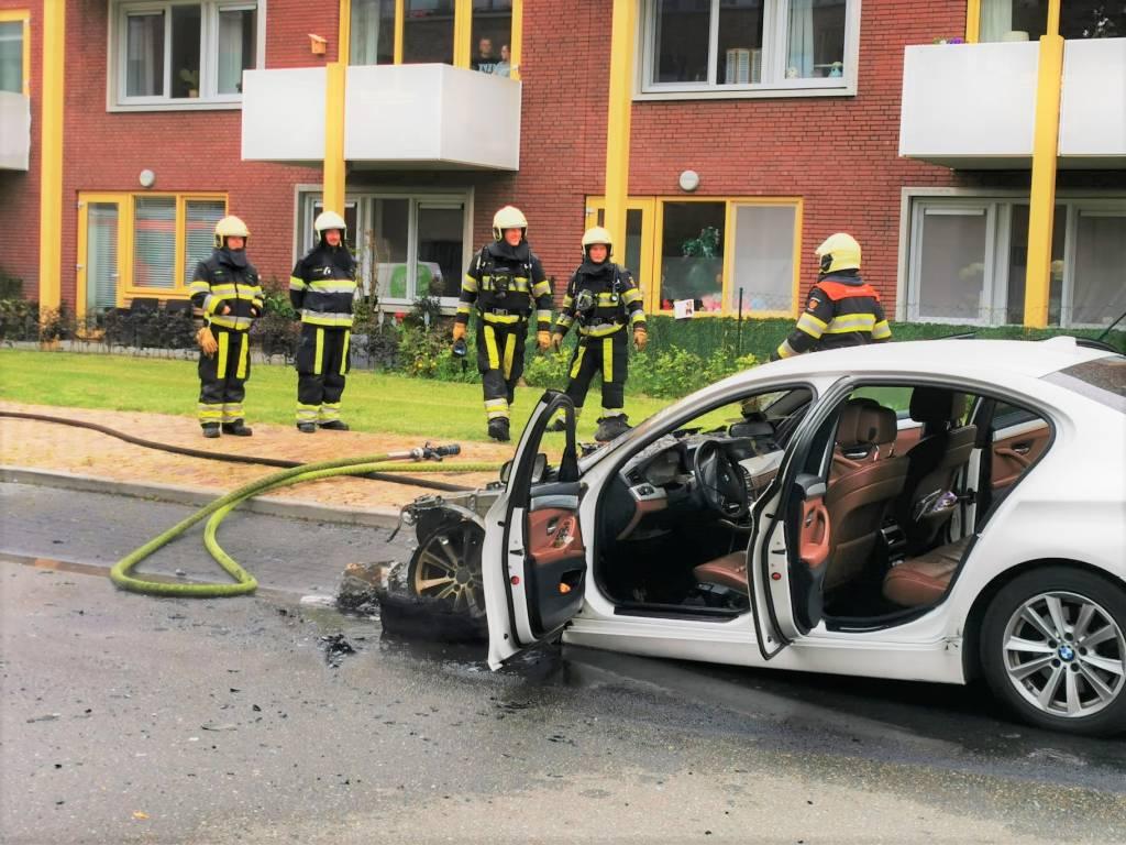 Voertuigbrand Scherhemstraat In Sneek Groot Sneek
