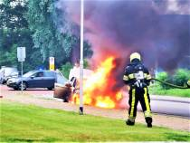 Voertuigbrand Scherhemstraat in Sneek