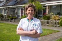 Wijkverpleegkundige Henny Engelman maakte een corona-uitbraak mee onder collega's en cliënten: 'De ongrijpbaarheid is heel beangstigend'