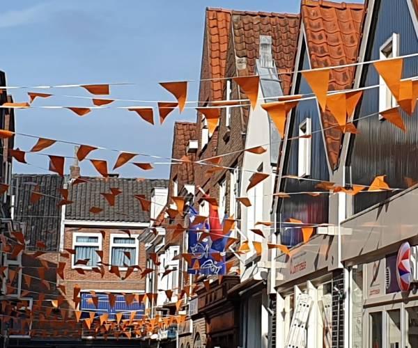 De Galigastraat kleurt Oranje