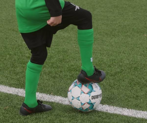 Voetbalschool SWF start tweede trainingsserie bij Sneek Wit Zwart