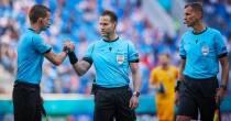 Sneker Hessel Steegstra aangesteld als assistent scheidrechter halve finale Engeland-Denemarken
