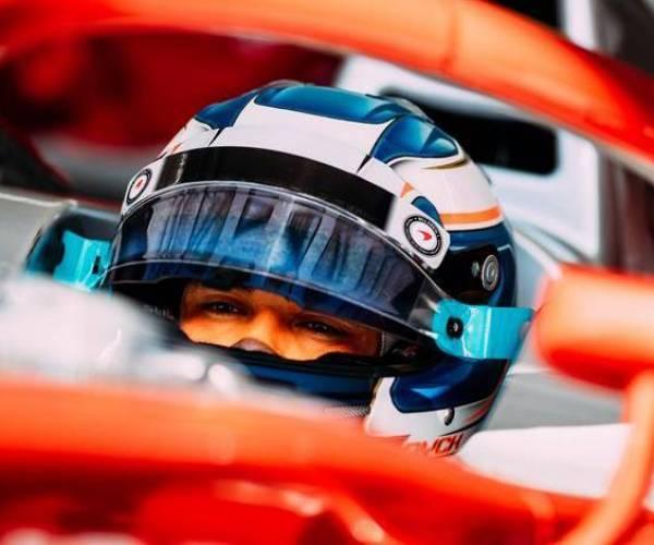 Nyck de Vries vliegt uit race na crash van ploeggenoot