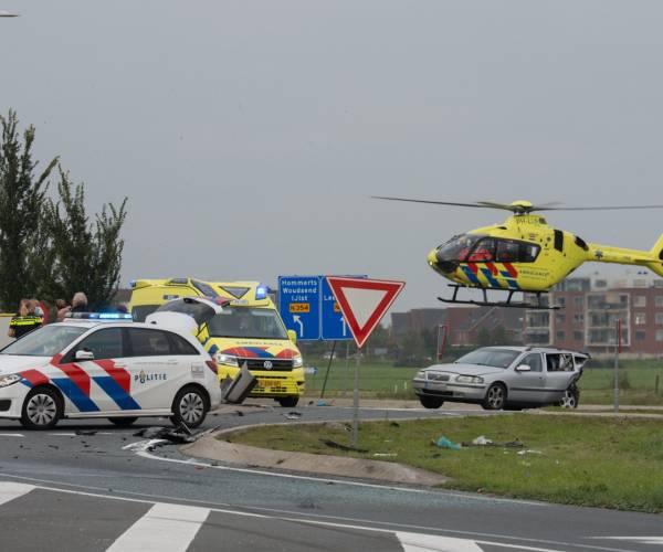 Persoon omgekomen bij verkeersongeluk in Sneek, ook drie gewonden