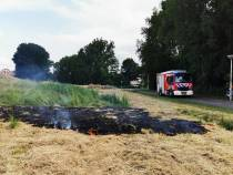 Bermbrandje snel geblust door Sneker brandweer
