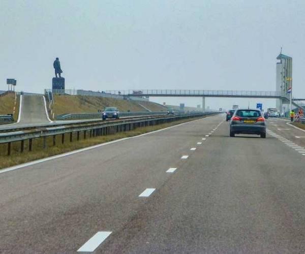 Afsluitdijk weer open na ongeluk