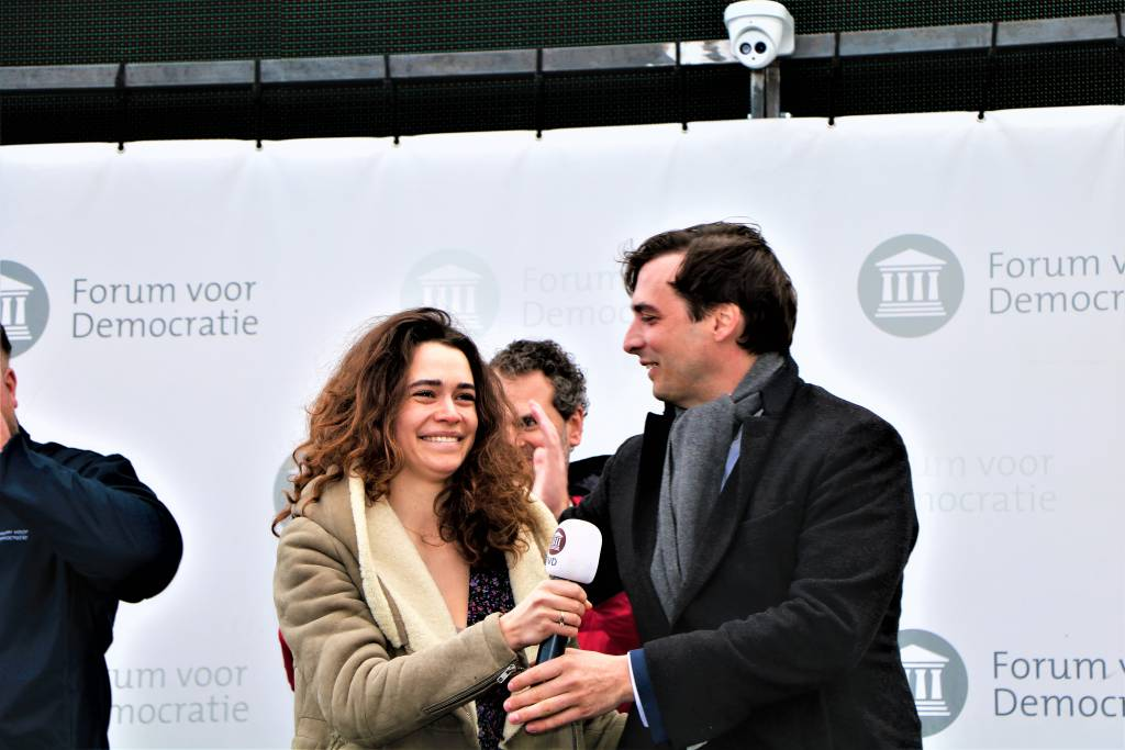 Baudet met z'n partner Davide op podium in Sneek