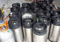Getuigen gezocht: bierfusten gestolen in Sint Nicolaasga