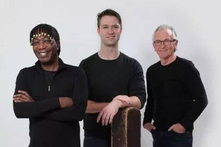 Trio Bauke van der Woude met 'Teare ferskes' in Goënga