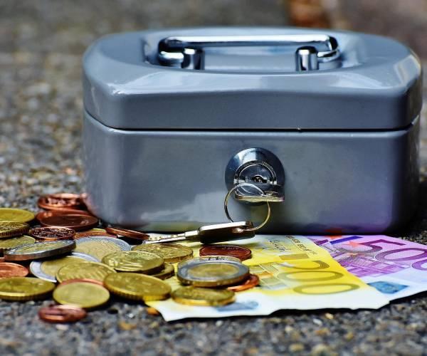 Kabinet breidt steunpakket uit vanwege verzwaarde lockdown, vergoeding voor voorraad