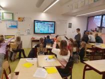 Gemeente SWF schenkt scholen lesmaterialen over wat zwerfafval met natuur doet