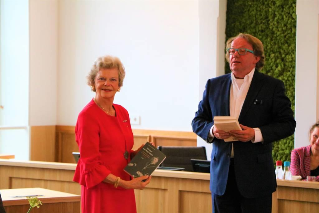 Cornélie van Haersma Buma en de auteur van de biografie