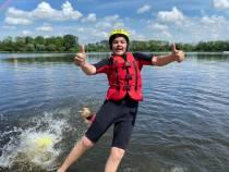 Leerlingen Thomas van Aquinoschool aan het waterskiën