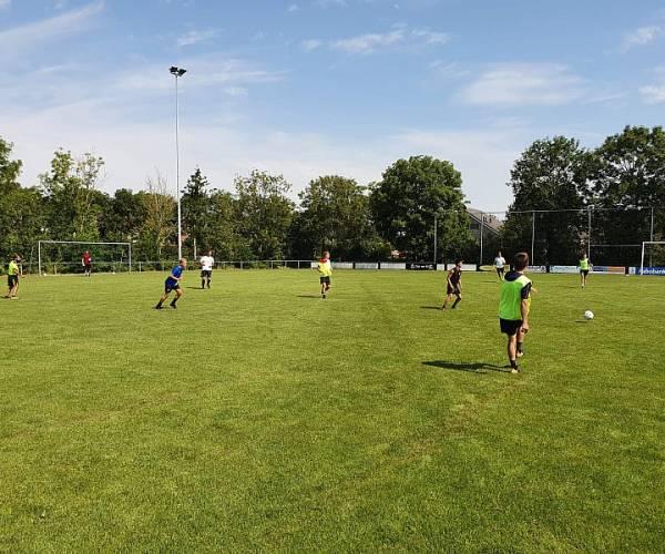 Voetballers TOP'63 hervatten de trainingen