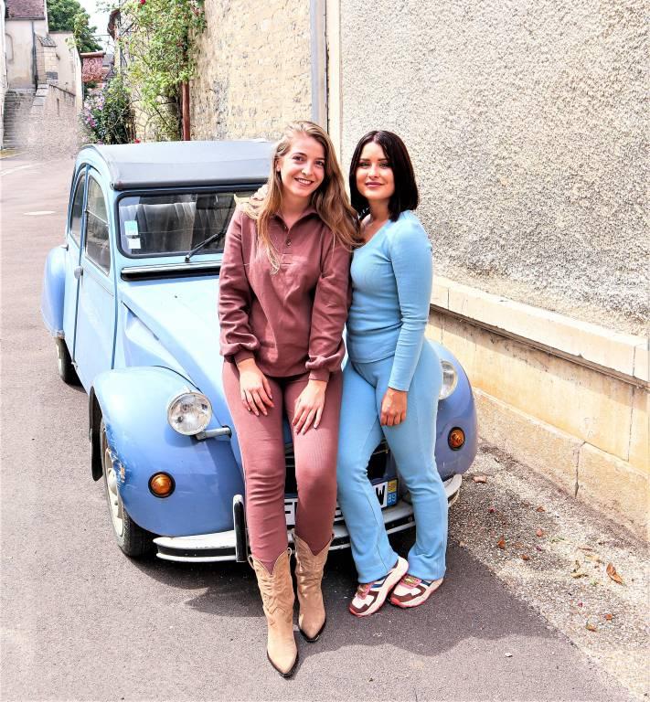 Links is Martha Dijkstra en rechts is Wendy ten Cate.